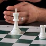 Importance de l'étude des finales aux échecs pour comprendre le jeu