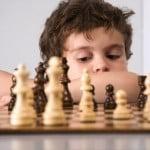 Jouer des parties d'échecs simplifiées