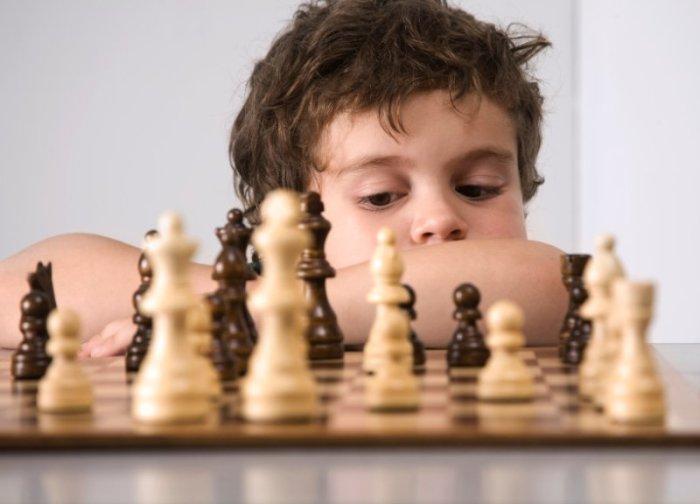Jouer parties d'échecs simplifiées