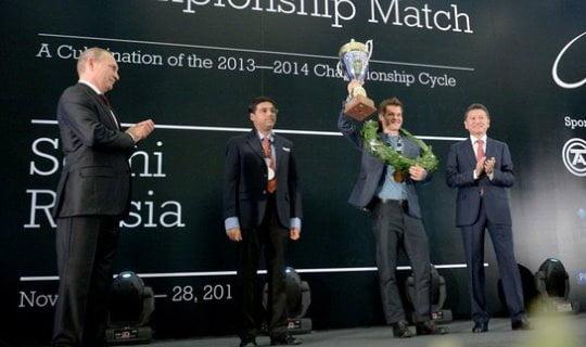 Cérémonie de clôture du Championnat du Monde d'échecs 2014 Magnus Carlsen