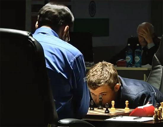 Carlsen Anand Partie 4