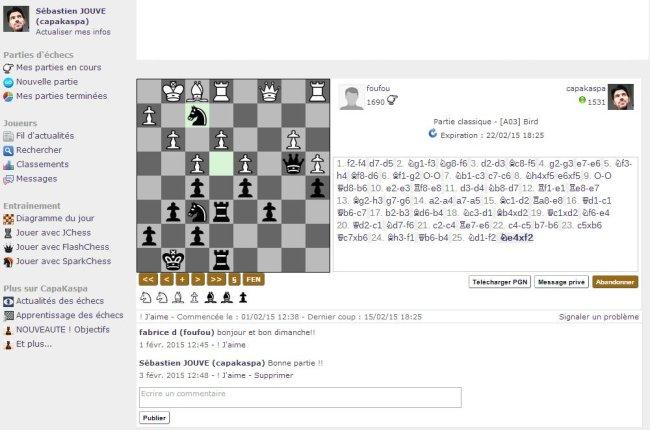 Une partie d'échecs sur la zone de jeu de CapaKaspa
