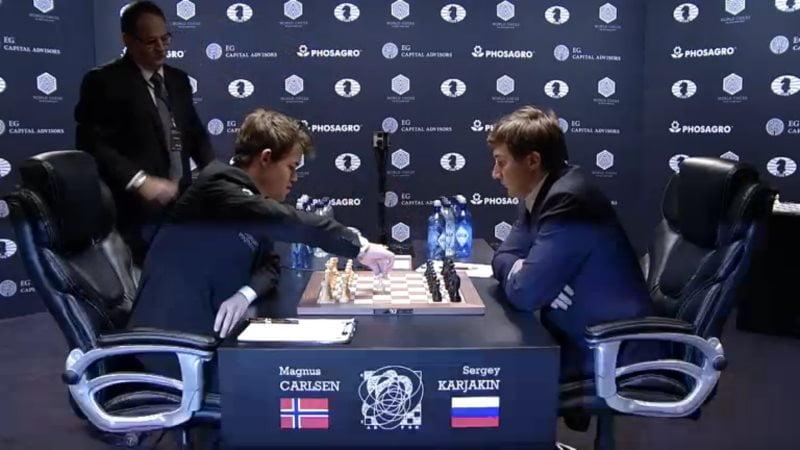 Carlsen Karjakin 2016 partie 10 coup 1