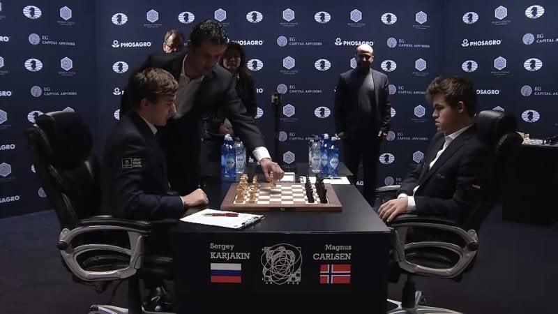 Carlsen Karjakin 2016 partie 11 coup 1