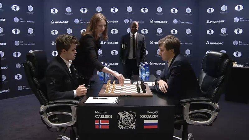 Carlsen Karjakin 2016 partie 12 coup 1
