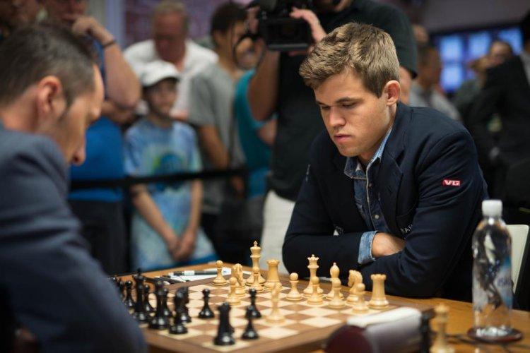 Sinquefield Cup Ronde 1 Magnus Carlsen
