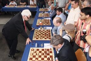 Boris Spassky en simultanée en 2009