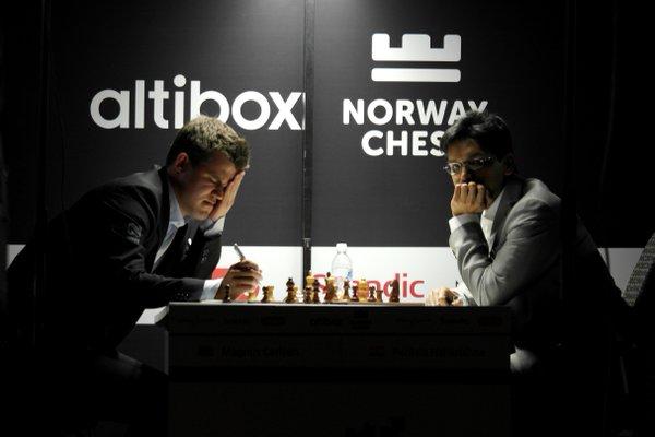 Norway Chess 2016 Ronde 1 Magnus cCarlsen contre Pendyala Harikrishna