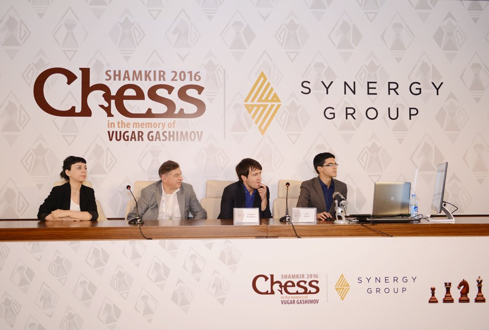 Shamkir chess 2016 Ronde 3 Anish Giri et Teimour Radjabov en analyse