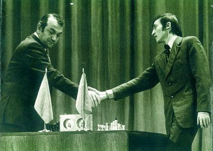 Viktor Korchnoi et Anatoli Karpov en 1978