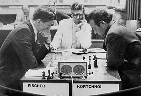 Viktor Kortschnoi et Bobby Fischer au Tournoi des Candidats à Curacao en 1962