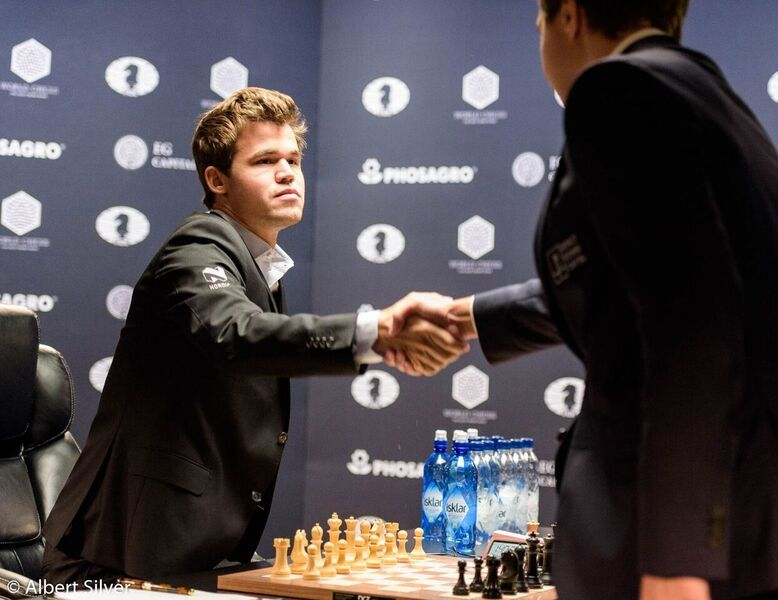 Carlsen Karjakin 2016 partie 10 début