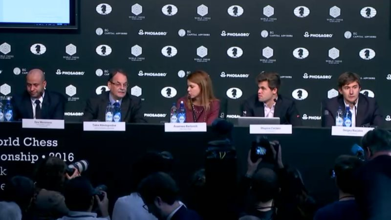 Carlsen Karjakin 2016 partie 12 conference presse