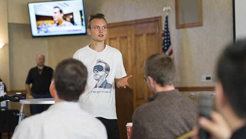 Timur Garayev record du monde simultanée échecs à l'aveugle en 2016