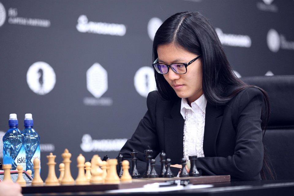 Grand Prix FIDE 2017 Moscou Ronde1 Hou Yifan