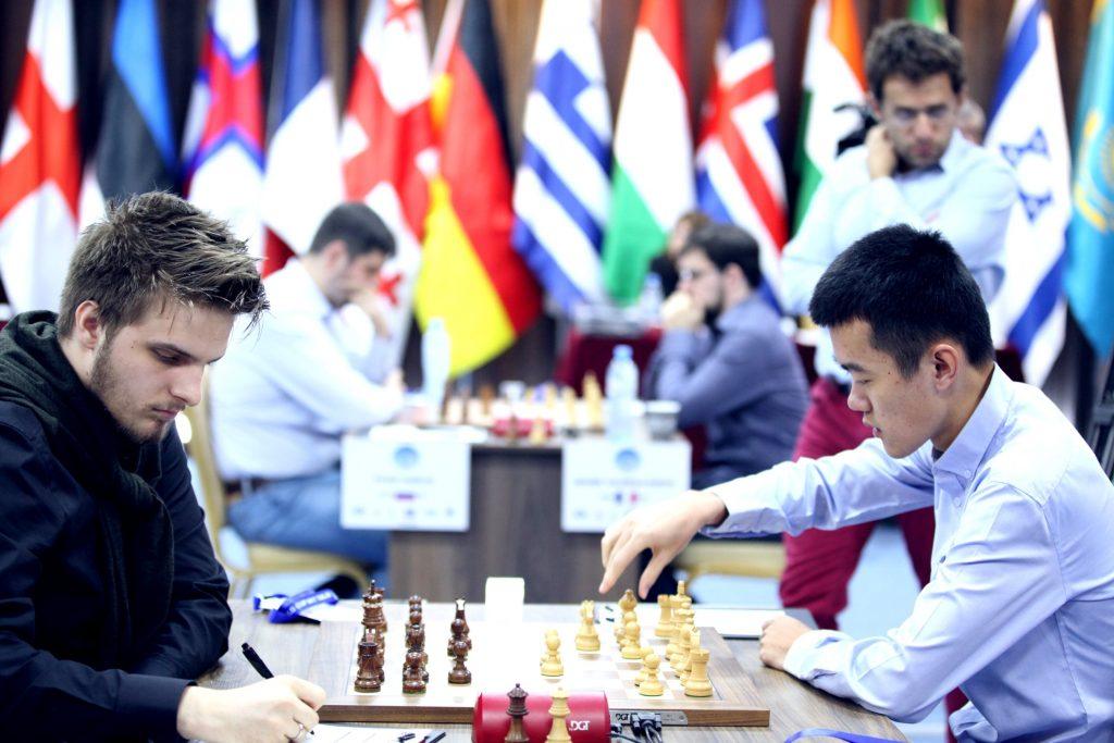 Coupe du Monde d'échecs FIDE 2017 ronde 5-2 Ding-Rapport