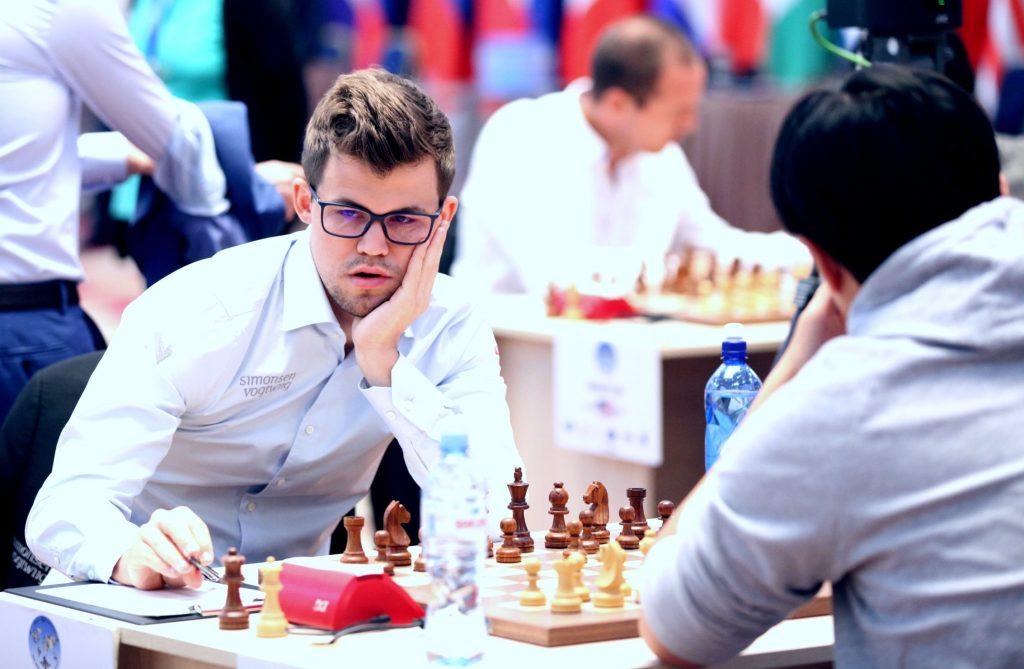Coupe du Monde d'échecs FIDE ronde 3 partie 2 Magnus Carlsen