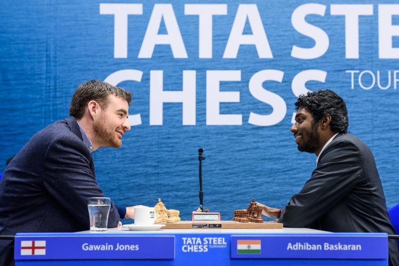 Tata Steel Chess Masters 2018 ronde 3 Jones-Adhiban