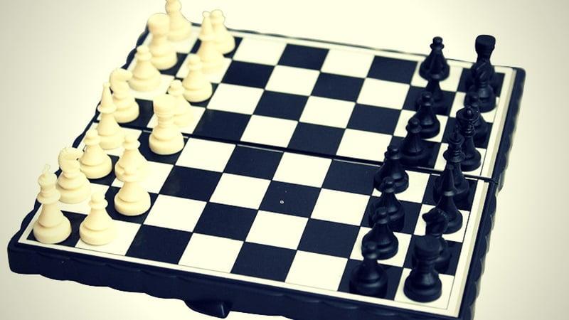 Achat jeu d'échecs échiquier de voyage miniature