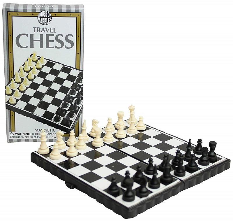 Jeu d'échecs échiquier de voyage miniature magnétique House of Marbles