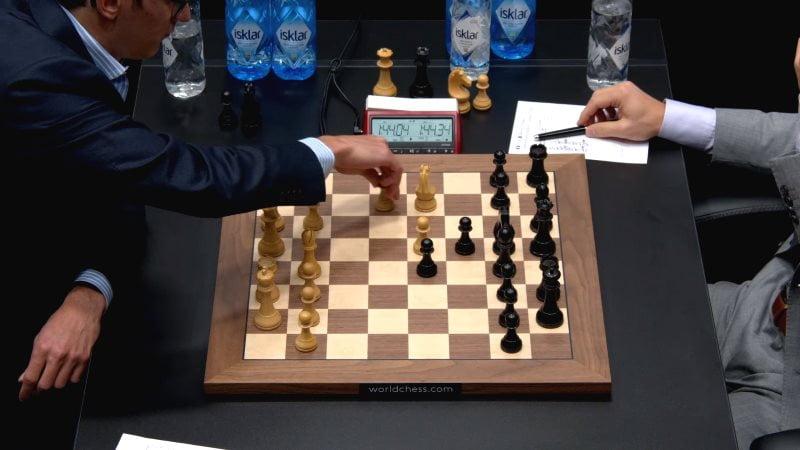 Championnat du monde d'échecs 2018 partie 10 premier coup nouveauté 12.b4