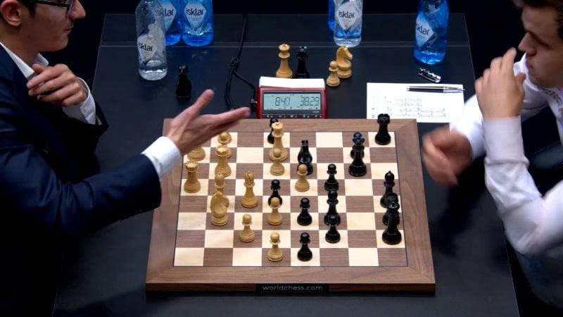 Championnat du Monde d'échecs 2018 partie 12 proposition nulle
