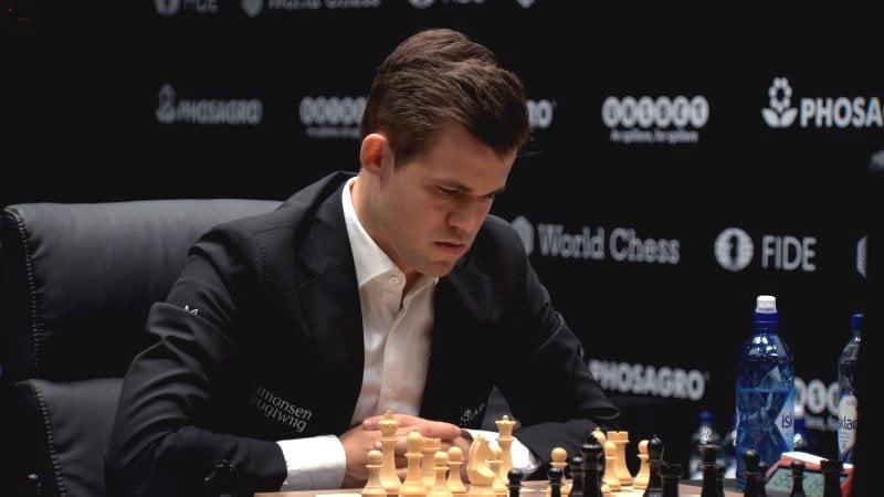 Championnat du Monde d'échecs 2018 partie 4 Magnus Carlsen coup 11