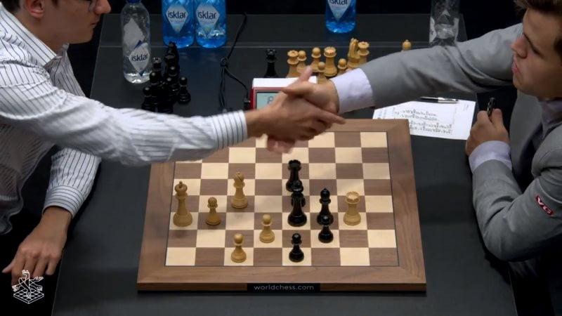 Championnat du Monde d'échecs 2018 partie 5 fin partie