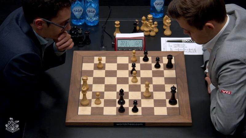Championnat du Monde d'échecs 2018 partie 8 Caruana-Carlsen