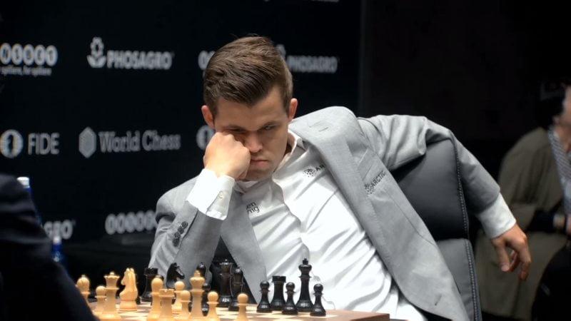 Championnat du Monde d'échecs 2018 partie 8 Magnus Carlsen