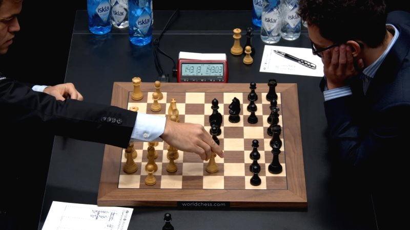 Championnat du Monde d'échecs 2018 partie 9 nouveauté Fg5