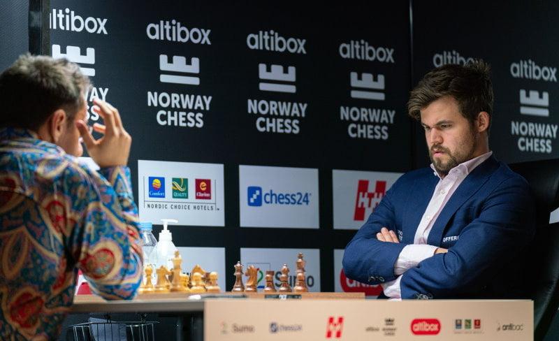 Levon Aronian - Magnus Carlsen Norway Chess 2020 Ronde 1