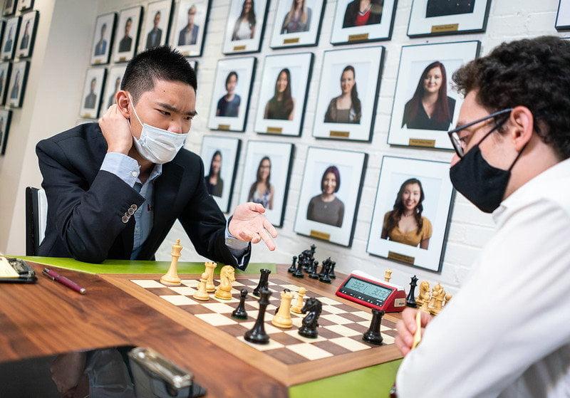 Jeffery Xiong a battu Fabiano Caruana lors de la ronde 5 de la Sinquefield Cup 2021